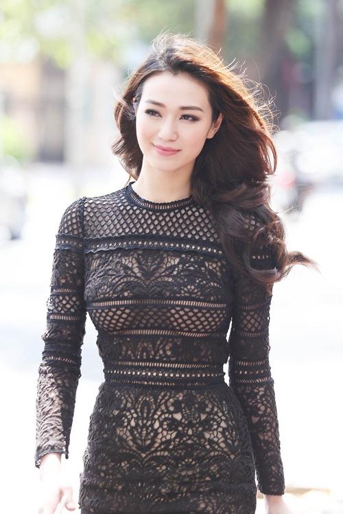 Khánh My mặc siêu gợi cảm đi ghi hình gameshow hài-4