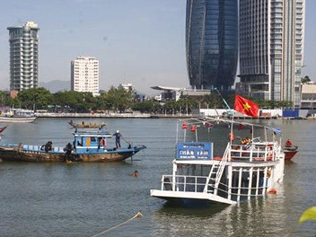 Khởi tố, bắt giam chủ tàu chìm trên sông Hàn-1