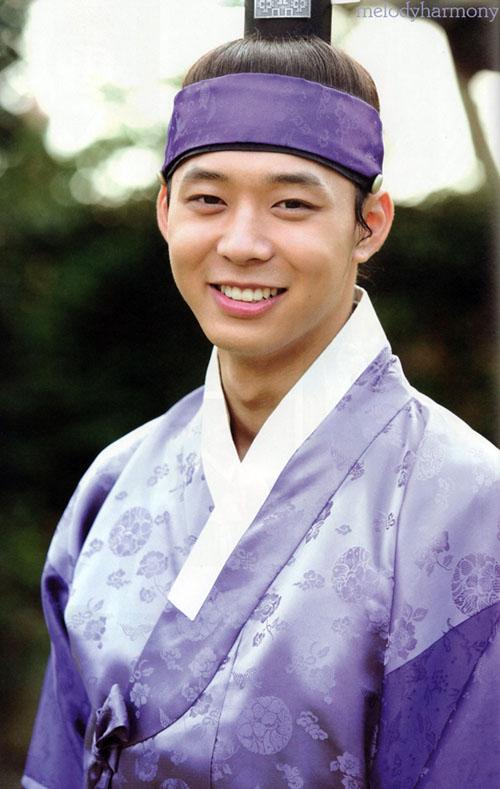 Park Yoo Chun: Hình tượng công tử si tình nay còn đâu!-2