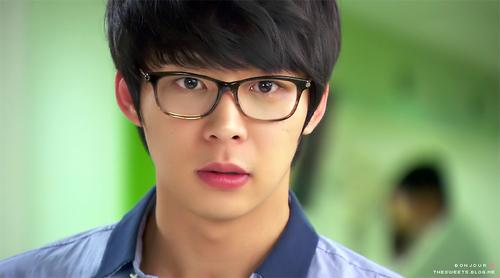 Park Yoo Chun: Hình tượng công tử si tình nay còn đâu!-12