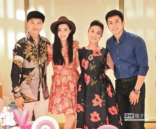 "showbiz 24/7: my nhan ""sac, gioi"" thang duy bung bau ngay mot lon - 4"