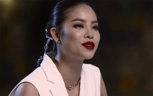 Phạm Hương, Lan Khuê khẩu chiến ngay trên sóng truyền hình-1