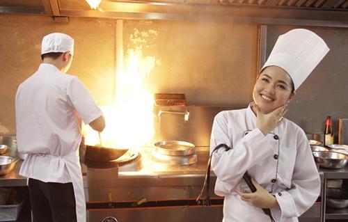 """cuoc song hanh phuc cua 5 my nhan phim """"co dau dai chien 1"""" - 4"""