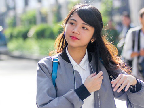 'Nữ sinh ống nghiệm' đầu tiên ở VN đi thi THPT Quốc gia-2