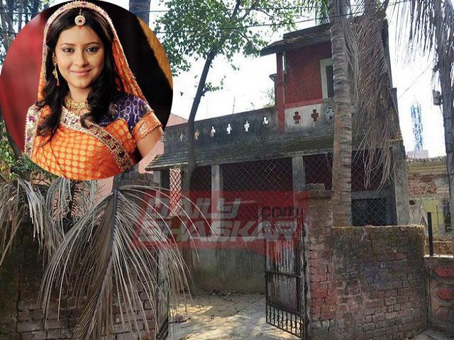 Nhà dột nát của cô dâu 8 tuổi Anandi sau 1 năm mất