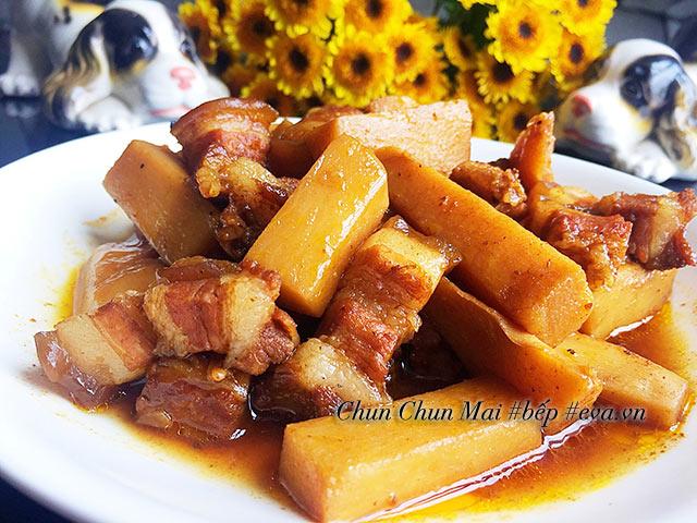 Hết sạch nồi cơm với thịt ba chỉ kho măng chua đậm đà