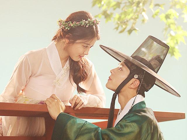Đôi tình nhân Mây họa ánh trăng Park Bo Gum - Kim Yoo Jung tái ngộ khán giả Việt