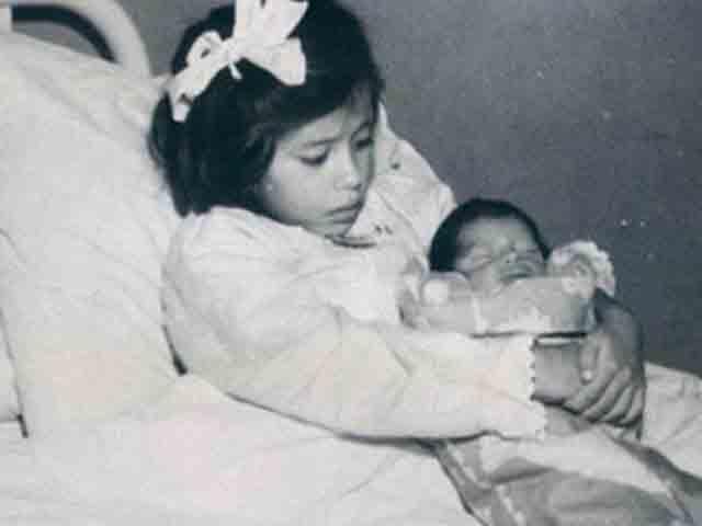 Bà mẹ trẻ tuổi nhất thế giới sinh con 2,7kg khi mới được... 5 tuổi rưỡi