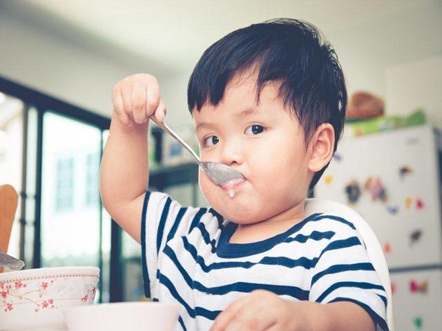 Bác sĩ mách mẹ Việt chế độ ăn giàu dinh dưỡng theo tuổi cho trẻ