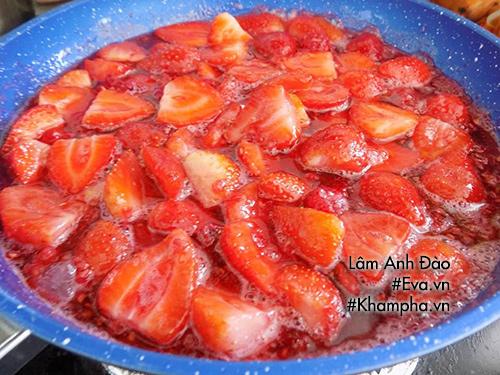 Cách làm mứt dâu tây để uống sữa chua hay làm bánh rất ngon - hình ảnh 4