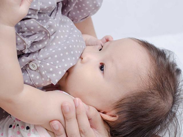 Cách cai sữa cho con một phát ăn ngay, sau 2 ngày bé không đòi ti nữa