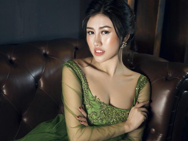 Emily Hồng Nhung lộng lẫy với váy dạ hội mang phong cách Châu Âu