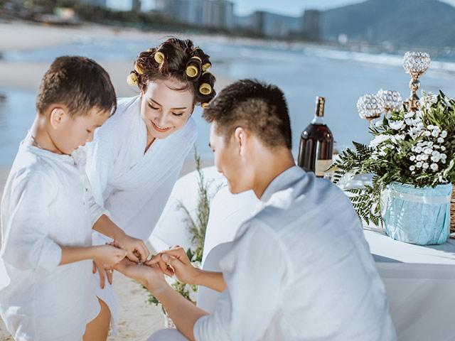 Không phải Thanh hay Sơn, Vân hoá ra đã làm mẹ và lộ ảnh cưới đẹp như mơ với hai trai lạ này đây