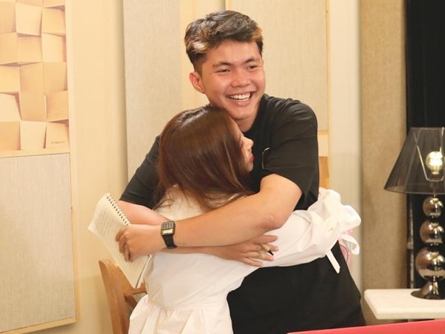 Sing My Song: Hồ Hoài Anh bất ngờ đưa người yêu của thí sinh vào trại sáng tác