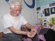 """Tin tức - Cụ ông U80 4 năm đi """"nuôi"""" vợ ở Hà Nội và câu chuyện tình yêu đáng ngưỡng mộ"""