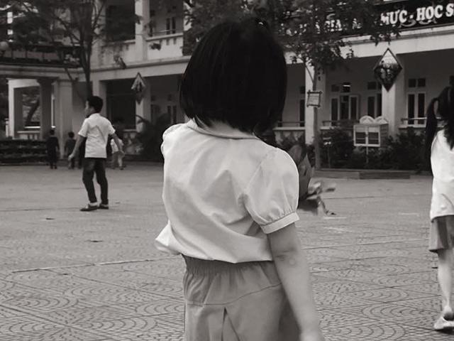 Ông bố Hà Thành viết thư gửi bạn của con gái lớp 1 vì làm tổn thương hai vợ chồng