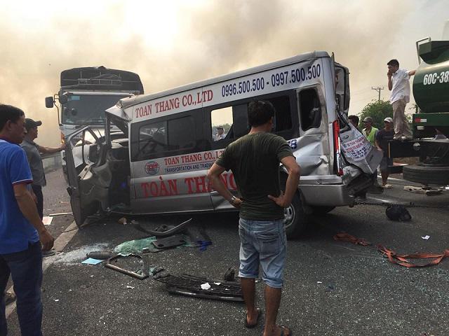 Tai nạn liên hoàn trên cao tốc Long Thành - Dầu Giây vì khói rơm rạ mù mịt