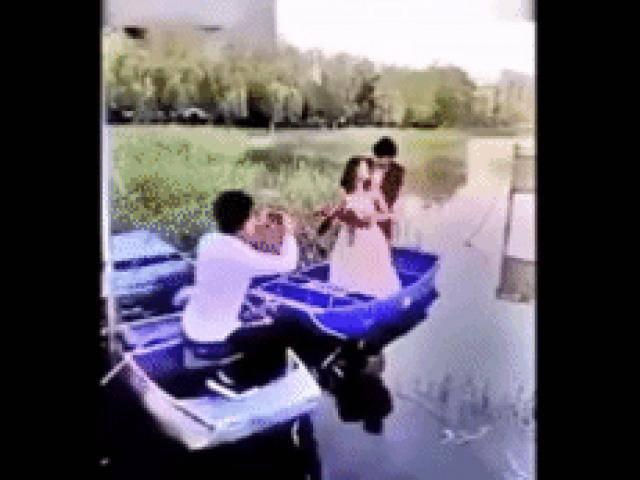 1001 kiểu tai nạn khi chụp ảnh cưới khiến dân mạng cười đau ruột