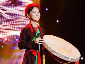 """Xuất hiện cô bé xinh như Hoa hậu khiến Ốc Thanh Vân và đồng nghiệp """"phát cuồng"""""""