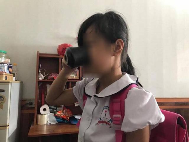 Học sinh bị cô giáo ép uống nước giẻ lau bảng: Các bạn trong lớp nói là lỗi tại con