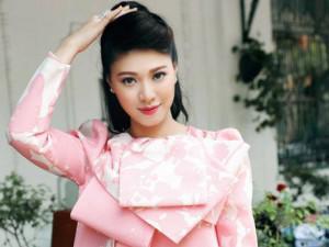 BTV Ngọc Trinh bất ngờ tiết lộ số tiền cô kiếm được mỗi tháng tại Đài Truyền hình