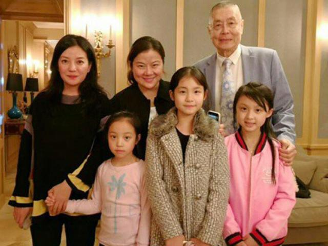 8 tuổi, con gái Triệu Vy đã phổng phao lớn nhanh không tưởng