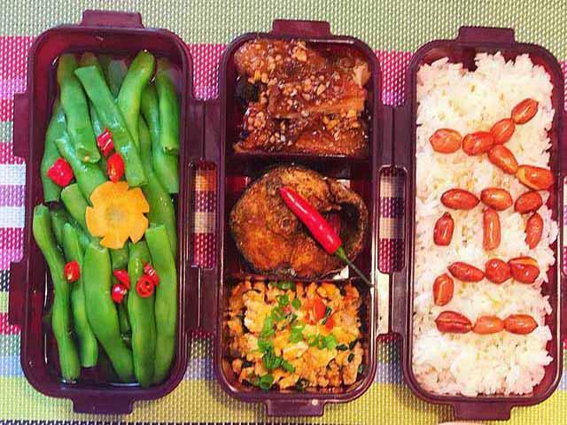 Gato với những hộp cơm đẹp xuất sắc, đồng nghiệp của chồng còn muốn ăn ké