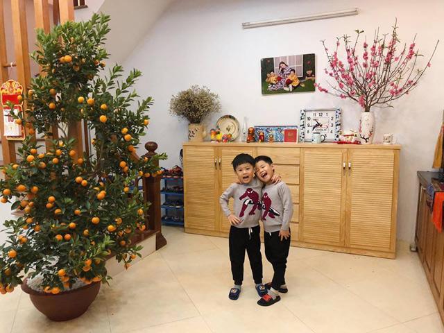 Nhà nhỏ chỉ 30m² nhưng cực ấm cúng của MC Hoàng Linh và hai con trai sinh đôi đáng yêu