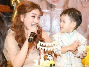 Các mẹ bỉm sữa nhóm Mây Trắng hội ngộ trong tiệc sinh nhật con trai Thu Thủy