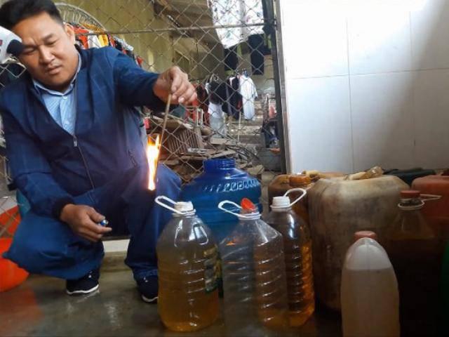 Xác định nguyên nhân ban đầu khiến nhiều giếng nước biến thành giếng dầu