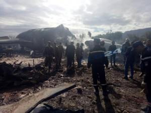 Rơi máy bay kinh hoàng ở Algeria, khoảng 200 người đã thiệt mạng