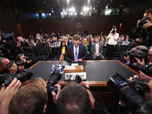 Mark Zuckerberg thừa nhận Facebook lưu trữ thông tin người dùng, có thể ra phiên bản trả phí