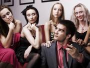 Eva tám - Đàn ông ngoại tình, lỗi tại Facebook?