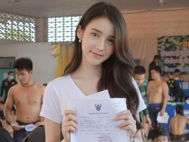 Đến lượt thần tiên tỉ tỉ Thái Lan gây náo loạn khi đi đăng ký nghĩa vụ quân sự