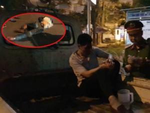 Bắt khẩn cấp lái xe bán tải kéo lê người hàng trăm mét trên phố Hà Nội