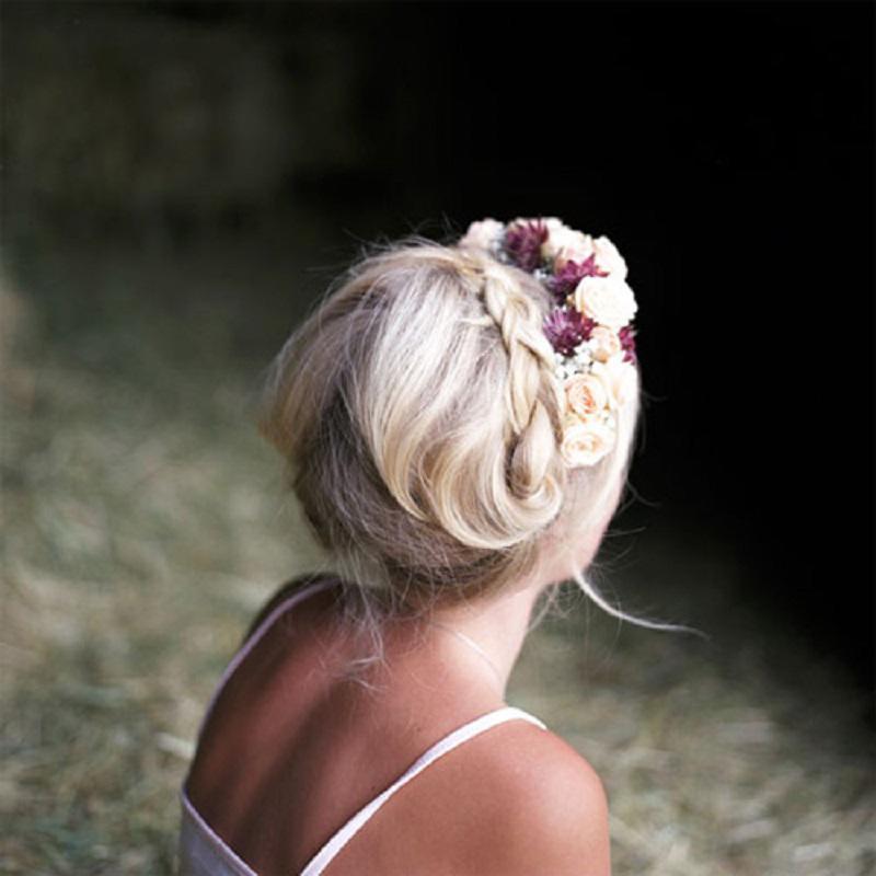Máitóccũng là một yếu tố quyết định diện mạo của cô dâu.