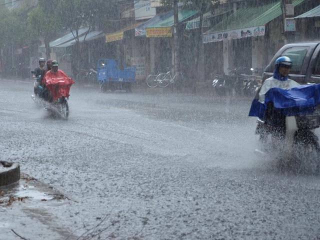 Tin thời tiết 15/4: Mưa to và dông trên diện rộng, có thể mưa đá, gió giật mạnh
