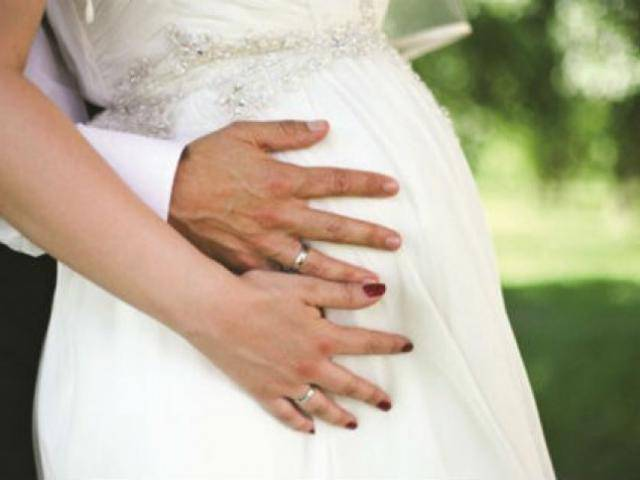 Là phụ nữ, hãy mạnh dạn buông bỏ người đàn ông bảo bạn: Chửa đi rồi cưới