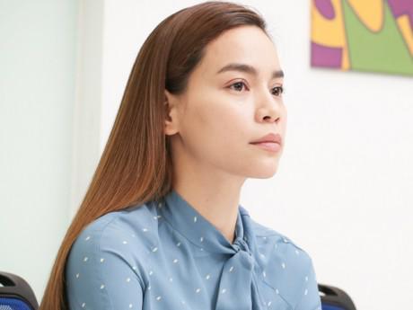 """Hà Hồ - Chuyện chưa kể: Từ phận """"gái quê"""" được đào tạo thành """"gà chiến showbiz"""""""