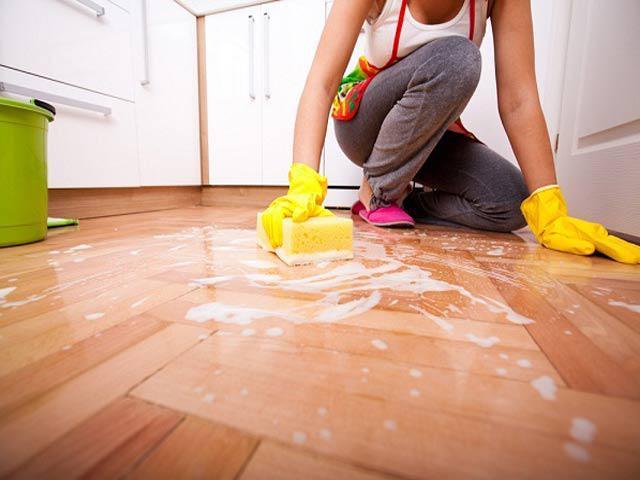 Cả tuần không cần lau mà sàn nhà vẫn sạch bong nhờ vài mẹo cực độc ít người biết