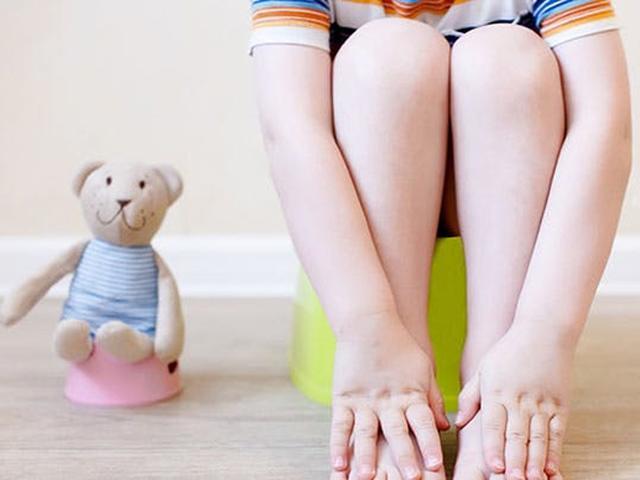8 mẹo hay giúp bé tự giác ngồi bô, mẹ không phải cáu