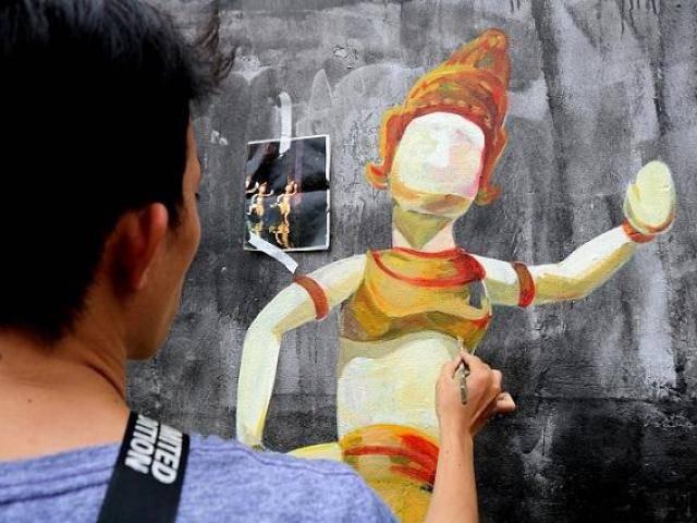 Đường bích họa đẹp mê hồn dành cho bạn trẻ mê check-in ở Hà Nội