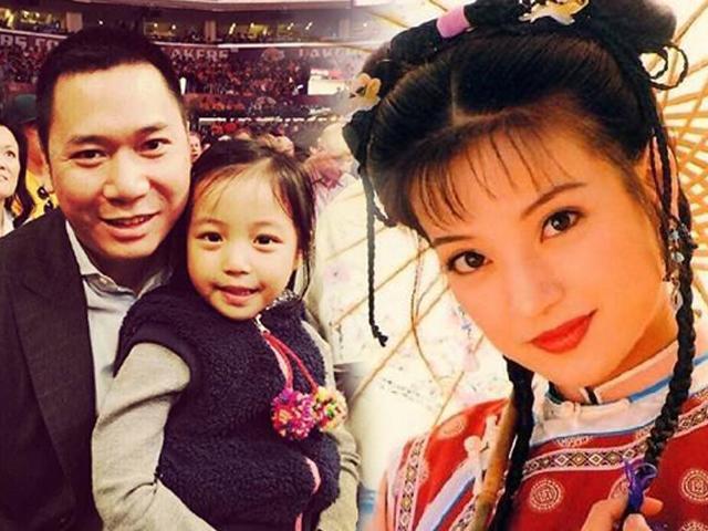 Gia thế tầm thường nhưng giàu có, Huỳnh Hữu Long phải nhờ con riêng mới tán đổ Triệu Vy
