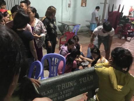 Nguyên nhân ban đầu vụ vợ và con gái 4 tuổi chết, chồng thoi thóp trong tiệm cầm đồ
