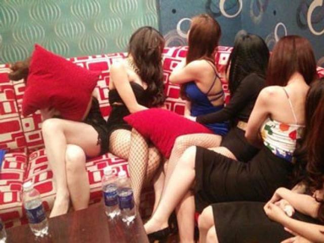 Thác loạn bên trong các nhà hàng khu trung tâm Sài Gòn: Có bảo kê, cứ ăn chơi thoải mái!