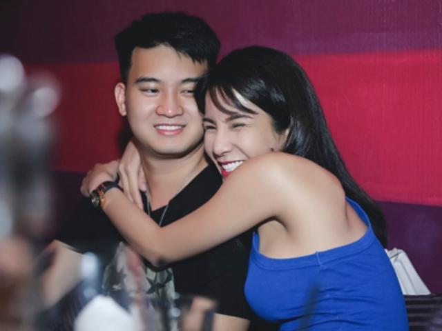 HOT: Diệp Lâm Anh bật khóc khi bất ngờ được bạn trai cầu hôn tại rạp chiếu phim