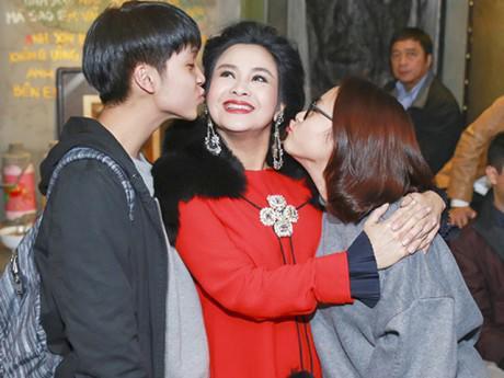 Vì sao Diva Thanh Lam để con sống với nhạc sĩ Quốc Trung sau chia tay?