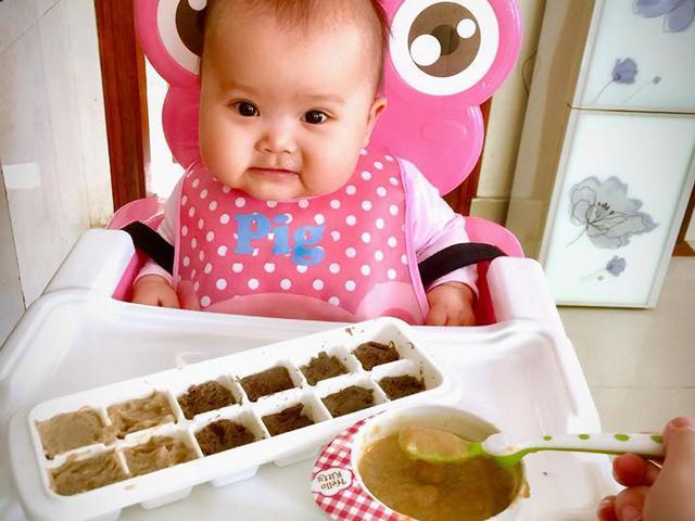 9 nguyên tắc ăn dặm mẹ Yên Bái coi như thần chú để rèn con từ 6 tháng tuổi