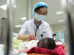 Hơn 70 trẻ mắc sởi được điều trị tại BV Nhi Trung ương, có trẻ bị biến chứng nặng