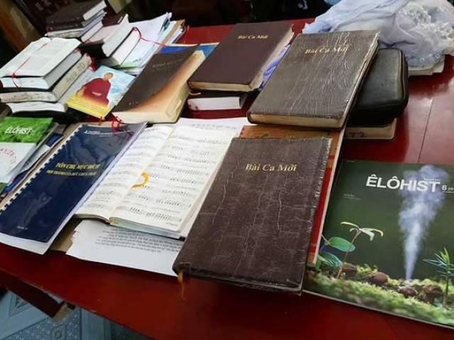 Họp khẩn vì 12 sinh viên tham gia Hội Thánh Đức Chúa Trời
